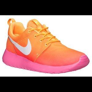 Nike Roshe Atomic Mango